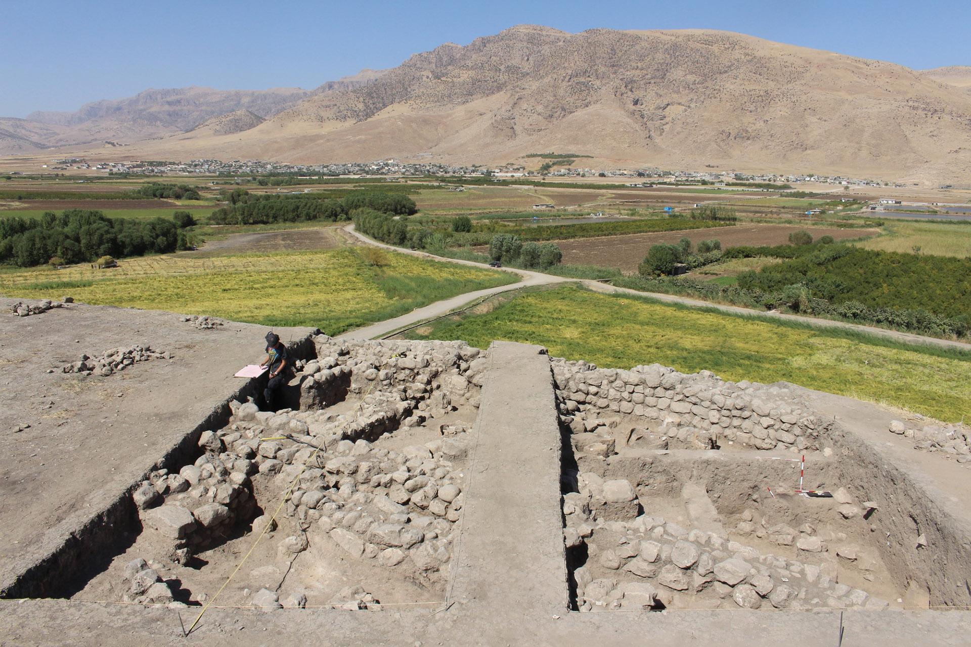 Grd-i Tle ásatás, az I. felszín nyugat felől. Az I. felszín nyugat felől. Az ELTE régészeti ásatása, Iraki Kurdisztán, Grd-i Tle, 2016-os évad.