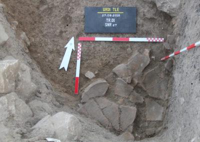 Grd-i Tle ásatás leletei, tárolóedény